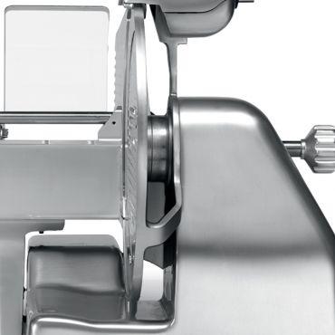 dettaglio-affettatrice-zirconia-300c-braccio-chefline-1