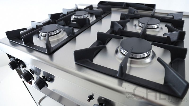 Cucina Professionale Prezzi Shock 4 Fuochi + Forno a Gas - Chefline