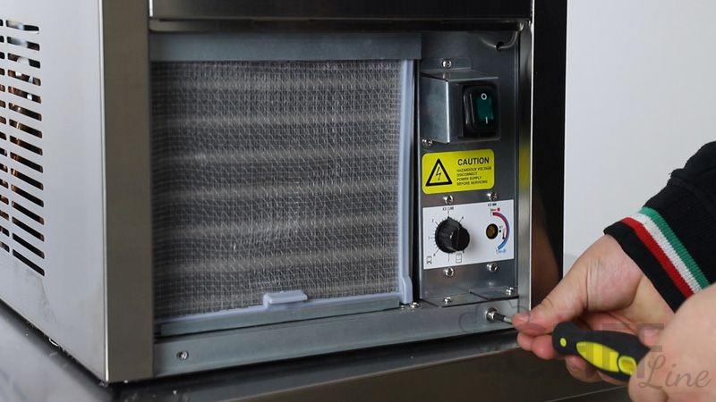 dettaglio-fabbricatore-ghiaccio-prezzi-shock-chefline-4b