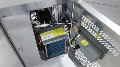 Dettaglio Tavolo Refrigerato 2 Porte Positivo Chefline 6