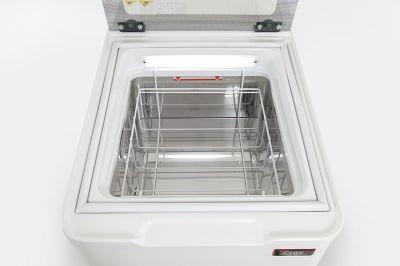 dettaglio-vetrina-gelato-da-banco-2-gusti-vasche-5litri-chefline-06